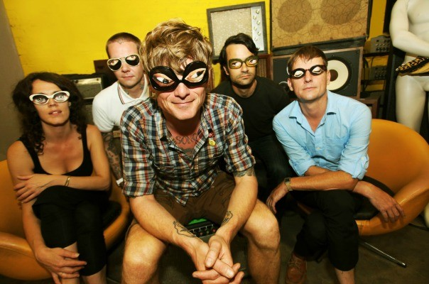 thee-oh-sees-604-tt-width-604-height-400-bgcolor-000000