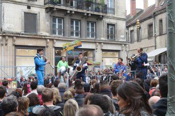 Cirque et Fanfares à Dole