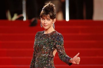 jury-member-actress-sophie-marceau-poses-on-the-red-carpet-as-she-arrives-for-the-screening-of-the-film-mountains-may-depart-in-competition-at-the-68th-cannes-film-festival-in-cannes-1_5343723